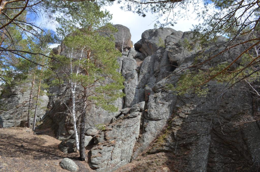 Пещера2со стороны