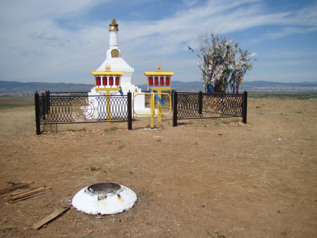 буддийская ступа на Тологое